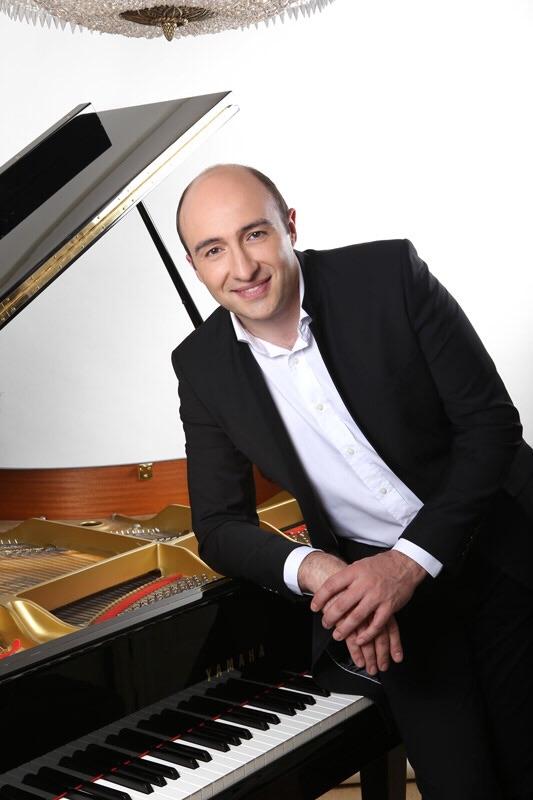 Manuel Angel Ramirez Pianista.a